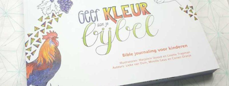 Voorkant geef kleur aan je bijbel